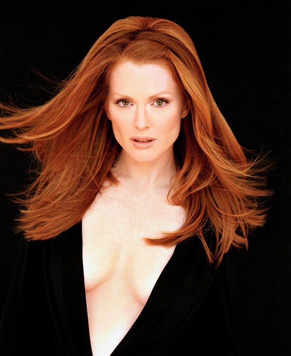 Photo of Julianne Moore.